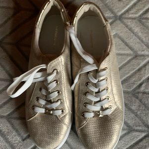 Is Claiborne fashion sneakers
